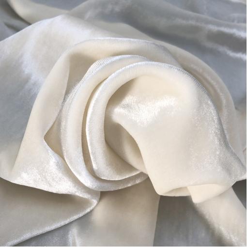 Панбархат Elisabetta Franchi на шелковой основе молочного цвета
