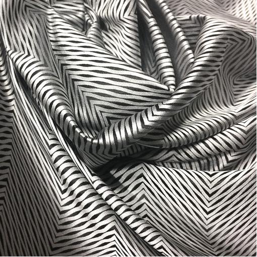 Шелк жаккардовый принт Armani серо-черные диагоналевые полоски