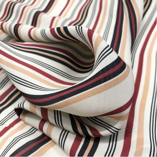 Шелк креповый дизайн Ferragamo диагональные полосы на бисквитном фоне