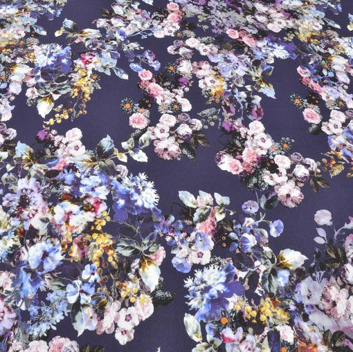 Трикотаж вискозный цветочный принт в фиолетовых тонах