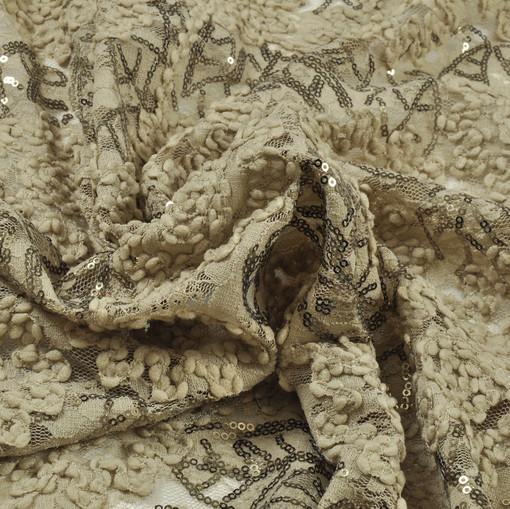 Сетка расшитая кружевом и пайетками в бежевых тонах