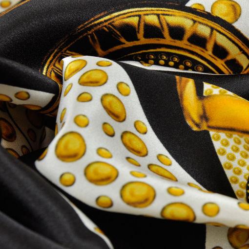 Шелк атласный ремешки Versace на черном фоне