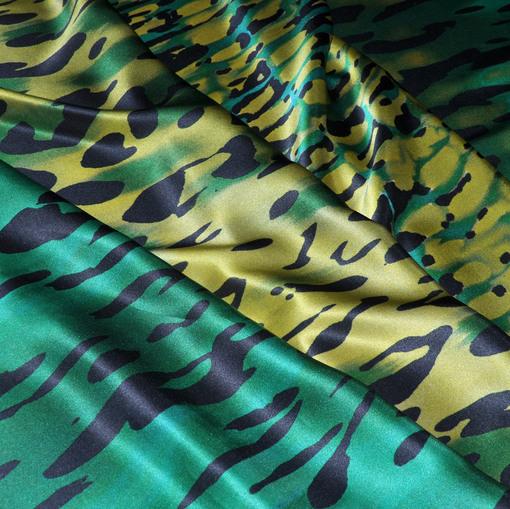 Шёлк атласный купон зелёно-жёлтый принт