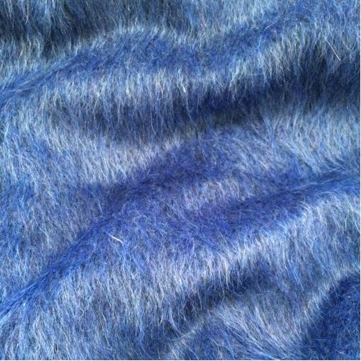 Ткань пальтовая с мохером ярко-василькового цвета