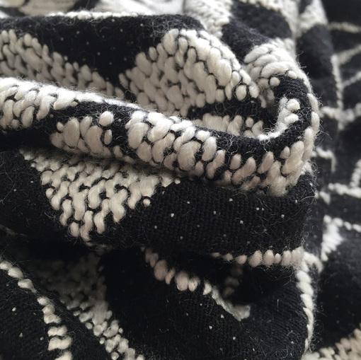 Жаккард костюмный черно-белая геометрия принт ARMANI