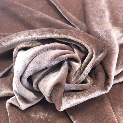 Панбархат вискозный стрейч Bottega Veneta на шелковой основе цвета пыльная роза