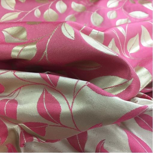 Жаккард нарядный принт Gucci двухсторонний в золотисто-розовых тонах