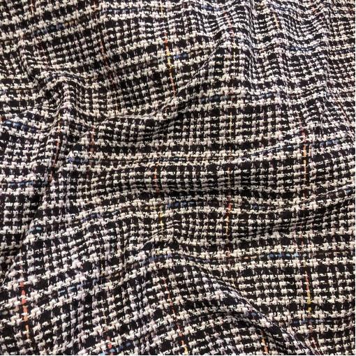 Шанель нарядная шерстяная костюмная в свекольно-черных тонах