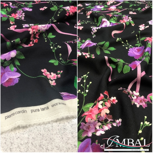 Шерсть мягкая плательная принт Pierre Cardin лиловые розы на черном фоне
