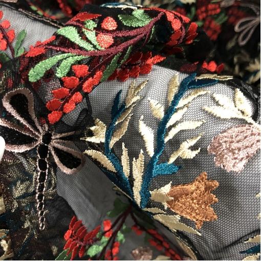 Кружево нарядное на сетке дизайн Gucci стрейч цветы и стрекозы