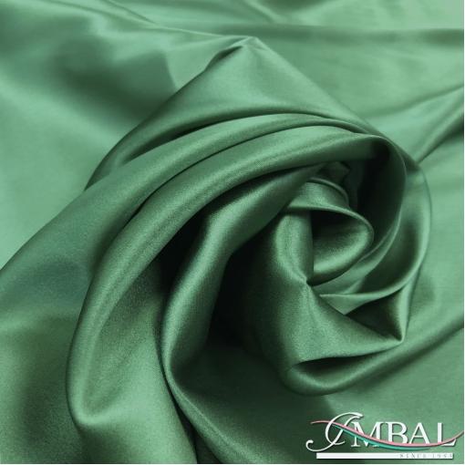 Шелк атласный стрейч высшего качества цвета молодой зелени