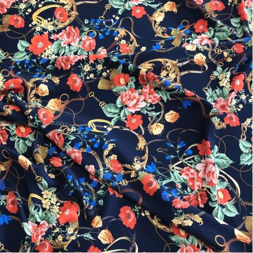 Вискоза плательная кади стрейч принт Gucci ремни, вензеля и цветы на темно-синем фоне
