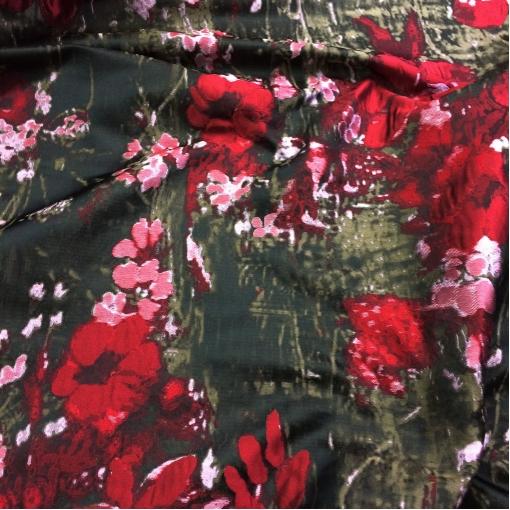 Жаккард нарядный принт Celine в красно-болотных тонах