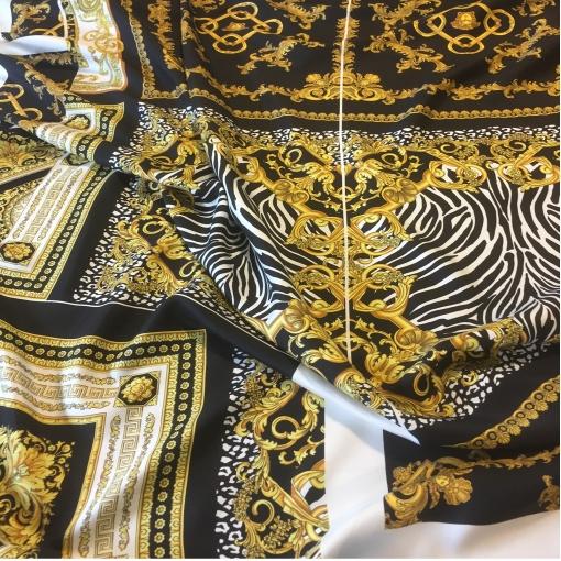 Шелк твил принт Versace купон с раскроем, вензеля и зебра