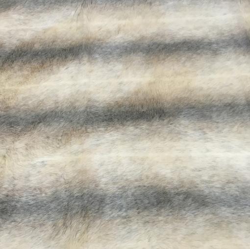 Мех искусственный молочного цвета деградэ на вискозной основе