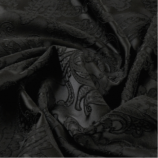 Черный жаккард-стрейч с вышивкой