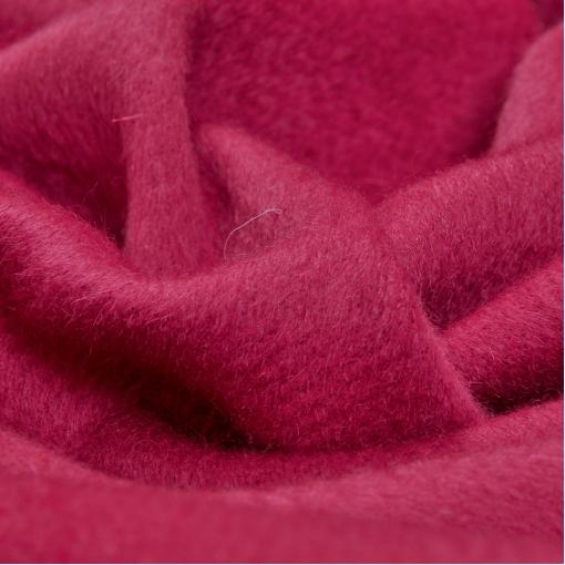 Пальтовая шерсть с мохером малинового цвета
