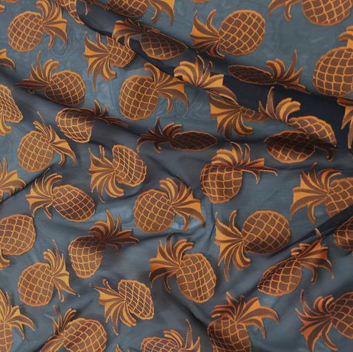Шелковая органза с вышитыми желтыми ананасами D&G