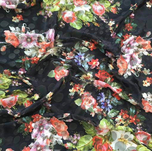 Шелк деворе принт D&G пиксельные цветы на черном фоне