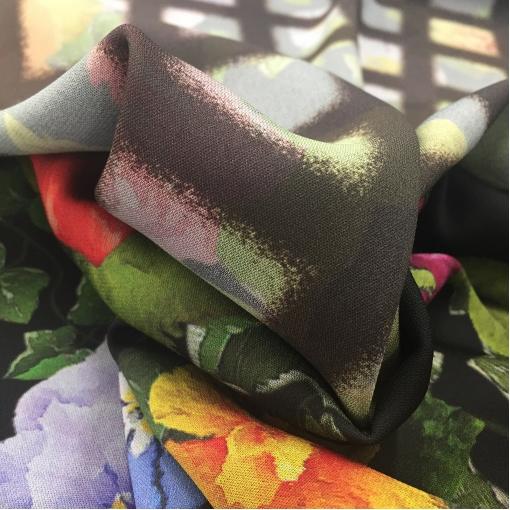 Вискоза плательная двухсторонняя принт A'biddikkia розовые цветы и клетка