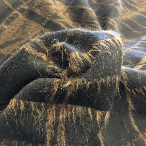 Ткань пальтовая с кашемиром дизайн Ferragamo цвета горького шоколада с ворсом