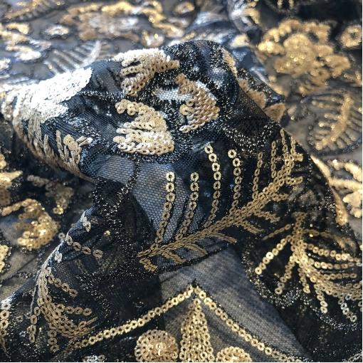 Кружево на сетке дизайн Zahar Murad вышивка пайетками в золотисто-черной гамме