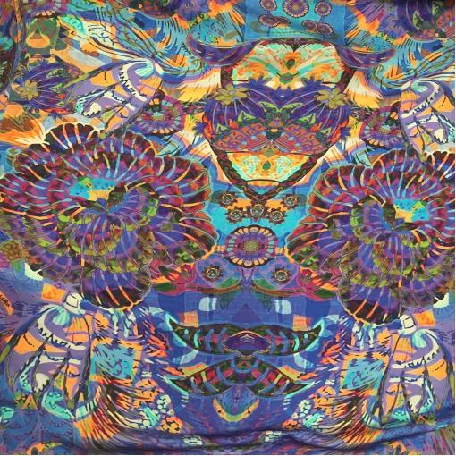 Шелк атласный принт A'biddikkia стилизованные сине-бордовые цветы