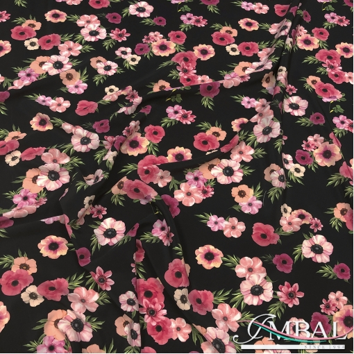 Шелк матовый непрозрачный стрейч розовые цветы на черном фоне