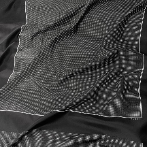 Шелк твил Gucci платок 80х95 см с горошком на черном фоне