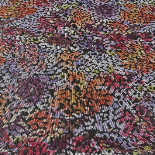 Жаккард с вытканным разноцветным рисунком