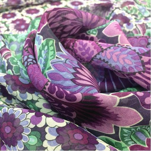 Шелк шифон принт Gucci продольный купон зелено-фиолетовые цветы