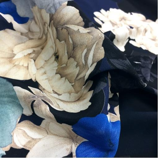 Шелк креповый стрейч принт Blumarine букеты в синей гамме