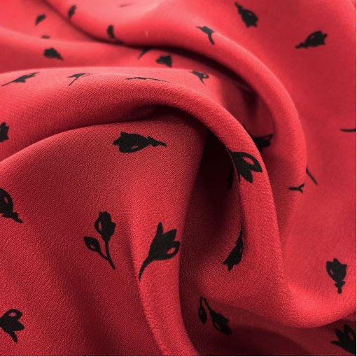 Шелк креповый принт Prada мелкие розы на винно-красном фоне