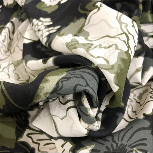 Шелк креповый стрейч принт Ferragamo абстрактные цветы цвета хаки
