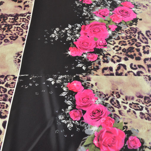 Шелк стрейч розы цвета фуксии на леопардовом поле фиолетового цвета
