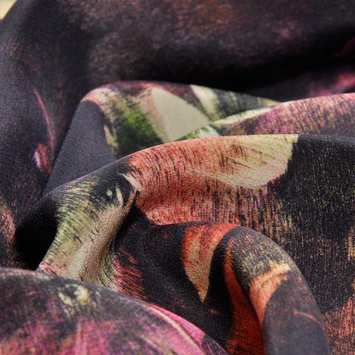 Шелк крепдешин с абстрактным цветочным принтом