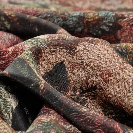 Шелк крепдешин с абстрактными цветами бордово-зеленого цвета