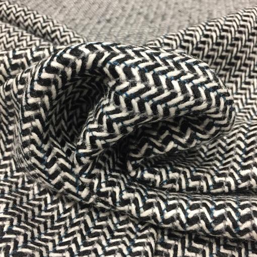 "Ткань пальтовая Chanel черно-белая ""елочка"""
