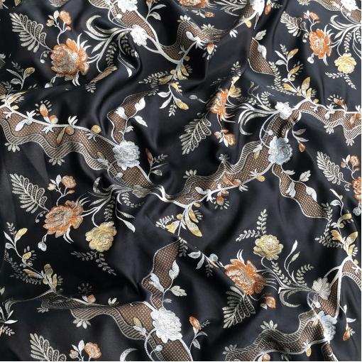 Жаккард нарядный дизайн Gucci цветочные гирлянды в темно-коричневых тонах