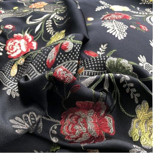 Жаккард нарядный дизайн Gucci цветочные гирлянды в оливково-красных тонах