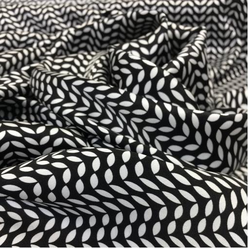 Шелк атласный принт Gai Mattiolo черно-серые листочки