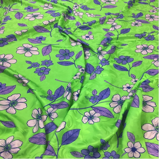 Шелк жаккардовый атласный принт Pierre Cardin синие цветы на ярко-зеленом фоне