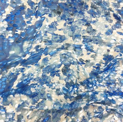 Шелк с вискозой деворе принт DIOR в голубых тонах