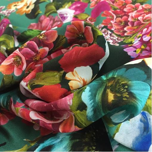 Шелк креповый принт D&G цветочная поляна на бирюзовом фоне