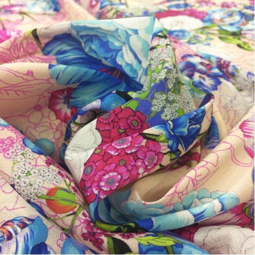 Шелк креповый матовый принт Ungaro синие цветы на песочном фоне