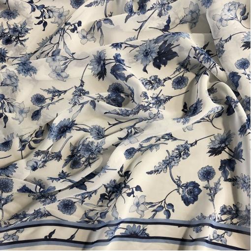 Шелк шифон принт Ratti Donna синие одуванчики, лилии на молочном фоне