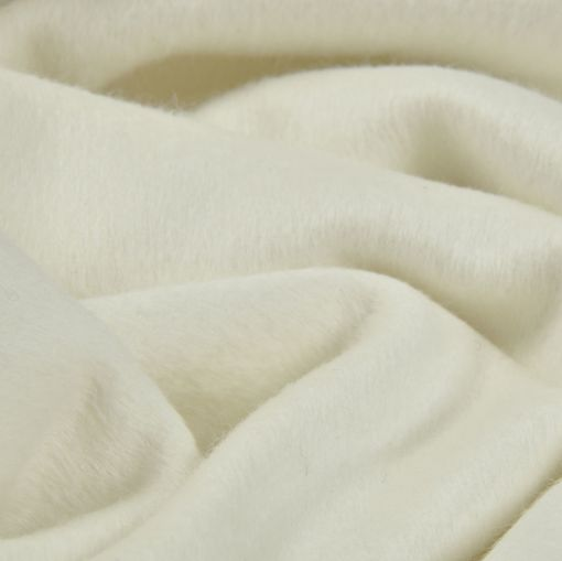 Пальтовая мягкая молочного цвета ткань из кроличьей шерсти