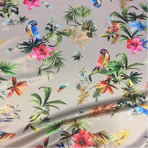 Шелк атласный принт D&G попугаи на жемчужно-сером фоне