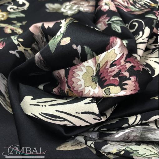 Шелк атласный стрейч принт D&G розы и вензеля на черном фоне