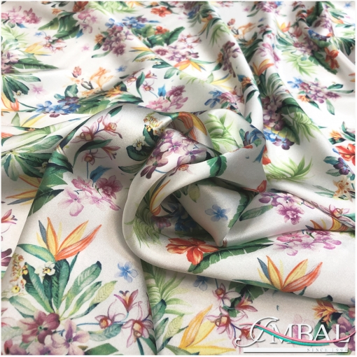 Шелк атласный принт Blumarine тропические цветы на молочном фоне